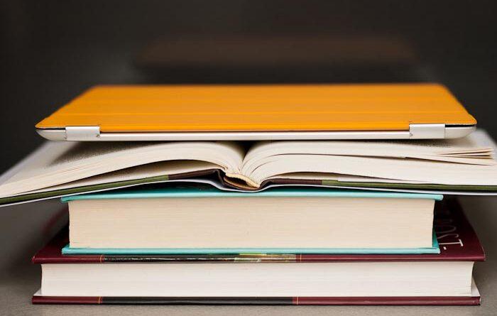 Traditional Text Books vs E-Books