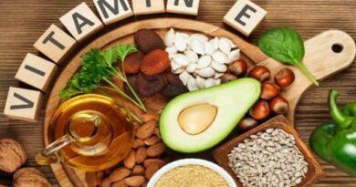 How vitamin E helps prevent heart disease?